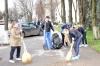 Mediciniștii participă la curățirea mediului