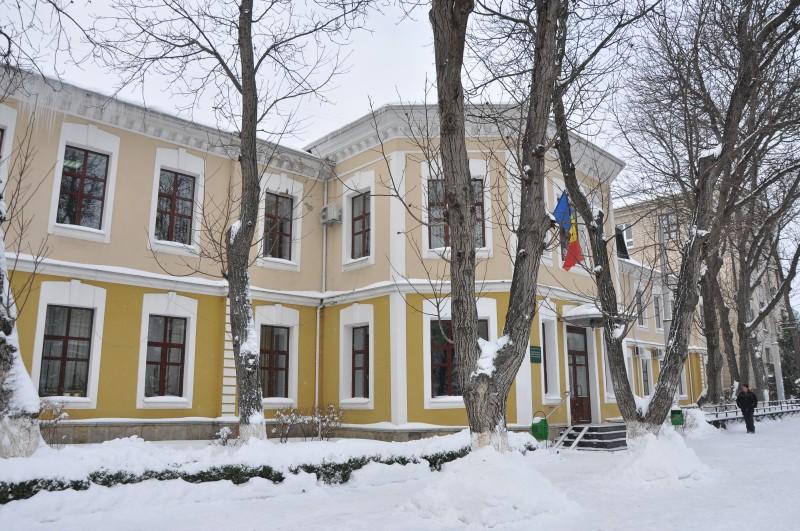 Blocul central iarna 1